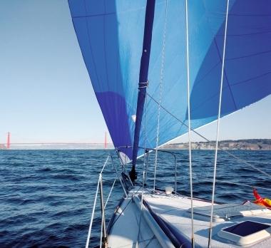 J30-Trogear-Bowsprit-Pineapple-Sails